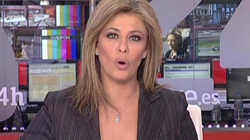 Después de vivir tres años en el país de las presentadores a cara lavada y chándal, te parece que aquí los informativos los presentan travestis.